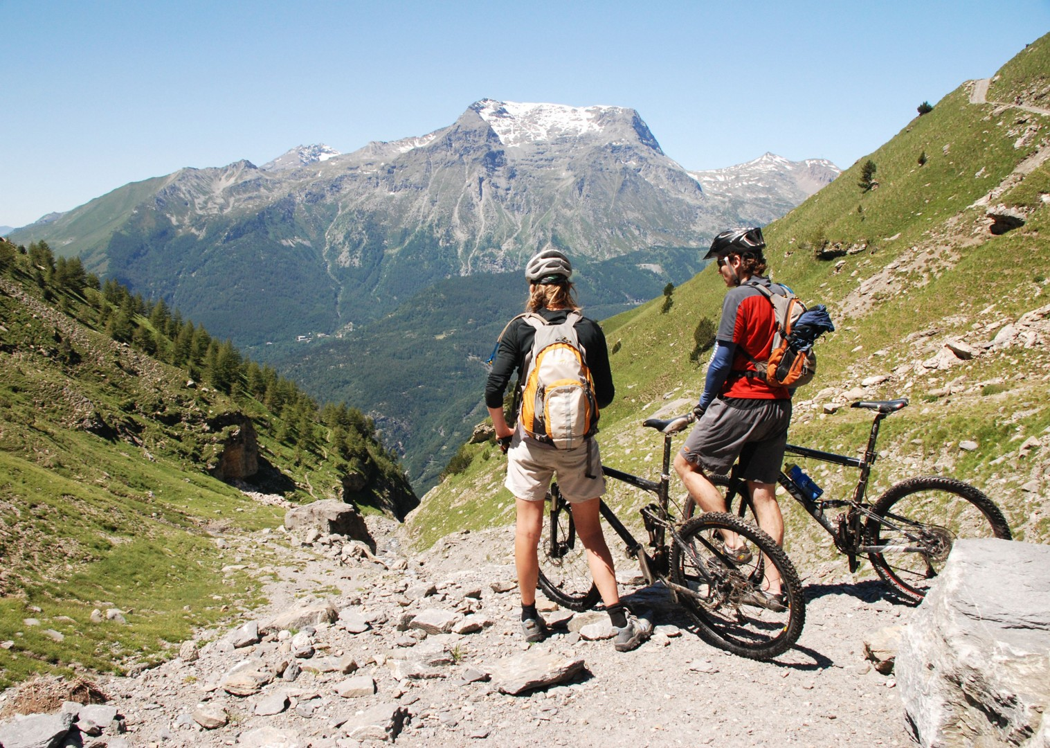 guided-mountain-bike-holiday-italy-and-france-alpine-adventure.JPG - Italy and France - Alpine Adventure - Mountain Biking