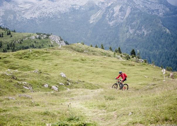 saddle_skedaddle_italy_2017_day6_brenta_dolomites_198.jpg - Italy and France - Alpine Adventure - Guided Mountain Bike Holiday - Mountain Biking