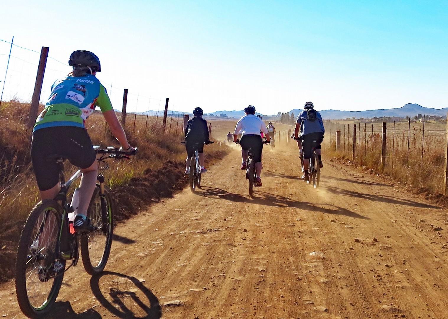 wildlife-mountain-bike-holiday-in-africa-swaziland.jpg - Swaziland - Singletrack and Sundowners - Guided Mountain Bike Holiday - Mountain Biking