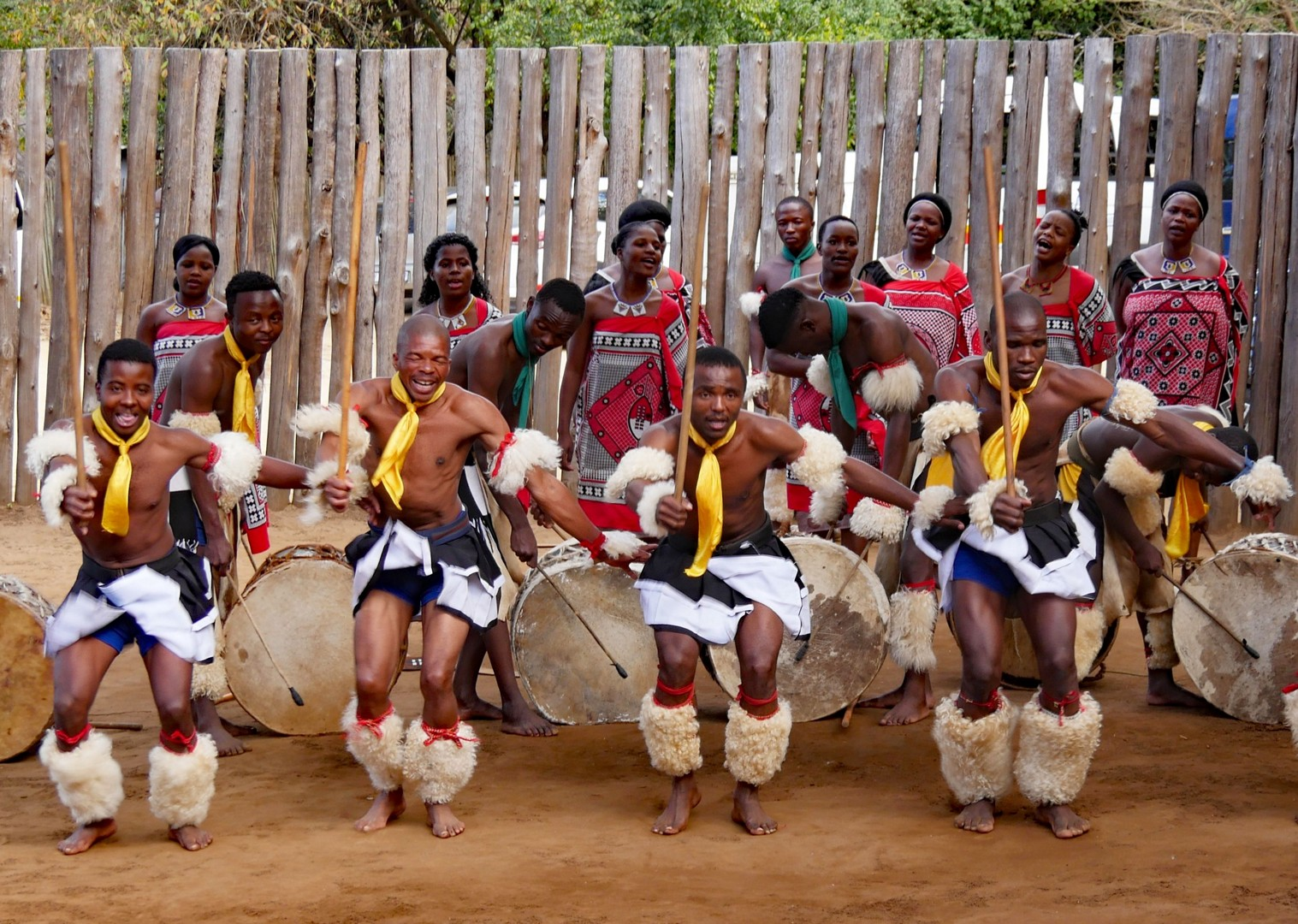 african-culture-and-wildlife-africa-swaziland-singletrack-and-sundowners-guided-mountain-bike-holiday.jpg - Swaziland - Singletrack and Sundowners - Guided Mountain Bike Holiday - Mountain Biking
