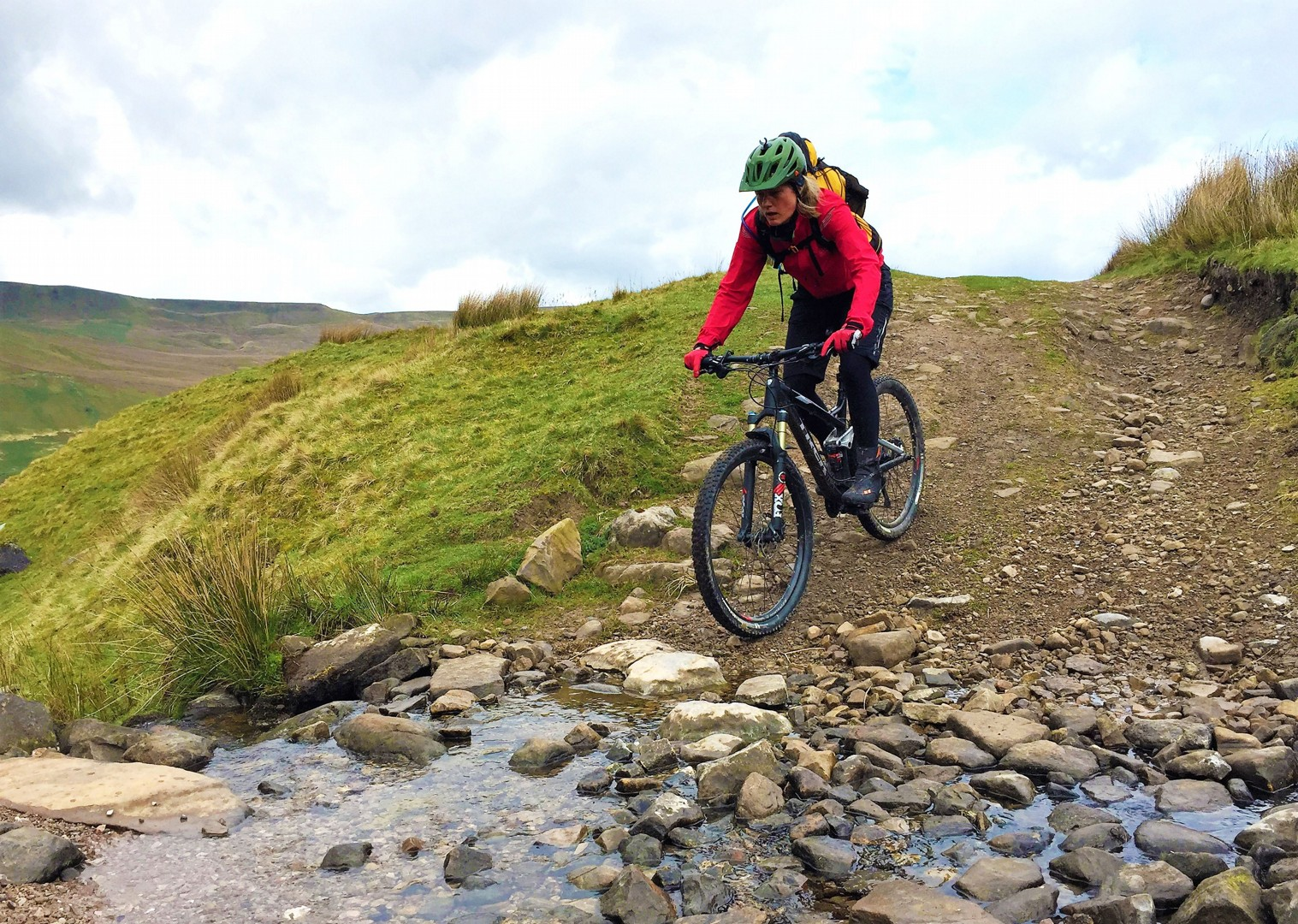 rugged-north-pennine-hills-mtb-mountain-biking-uk.jpg - UK - Pennine Bridleway - Guided Mountain Bike Weekend - Mountain Biking