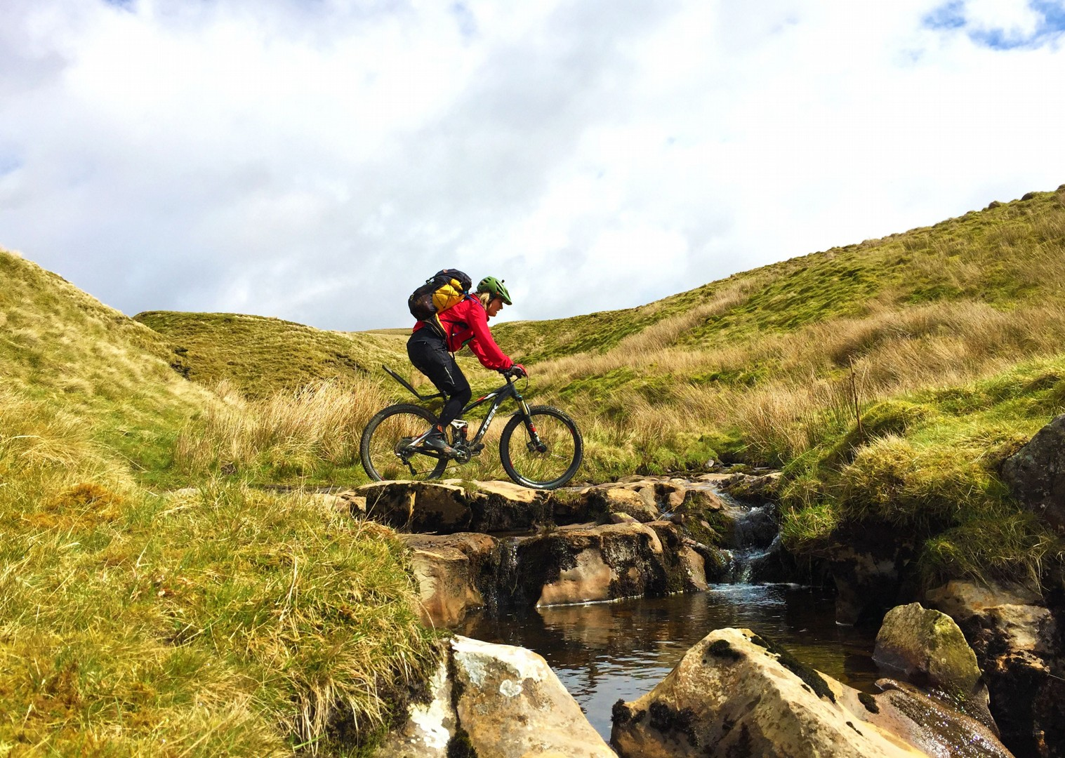 uk-pennine-bridleway-guided-mountain-bike-weekend.jpg - UK - Pennine Bridleway - Guided Mountain Bike Weekend - Mountain Biking