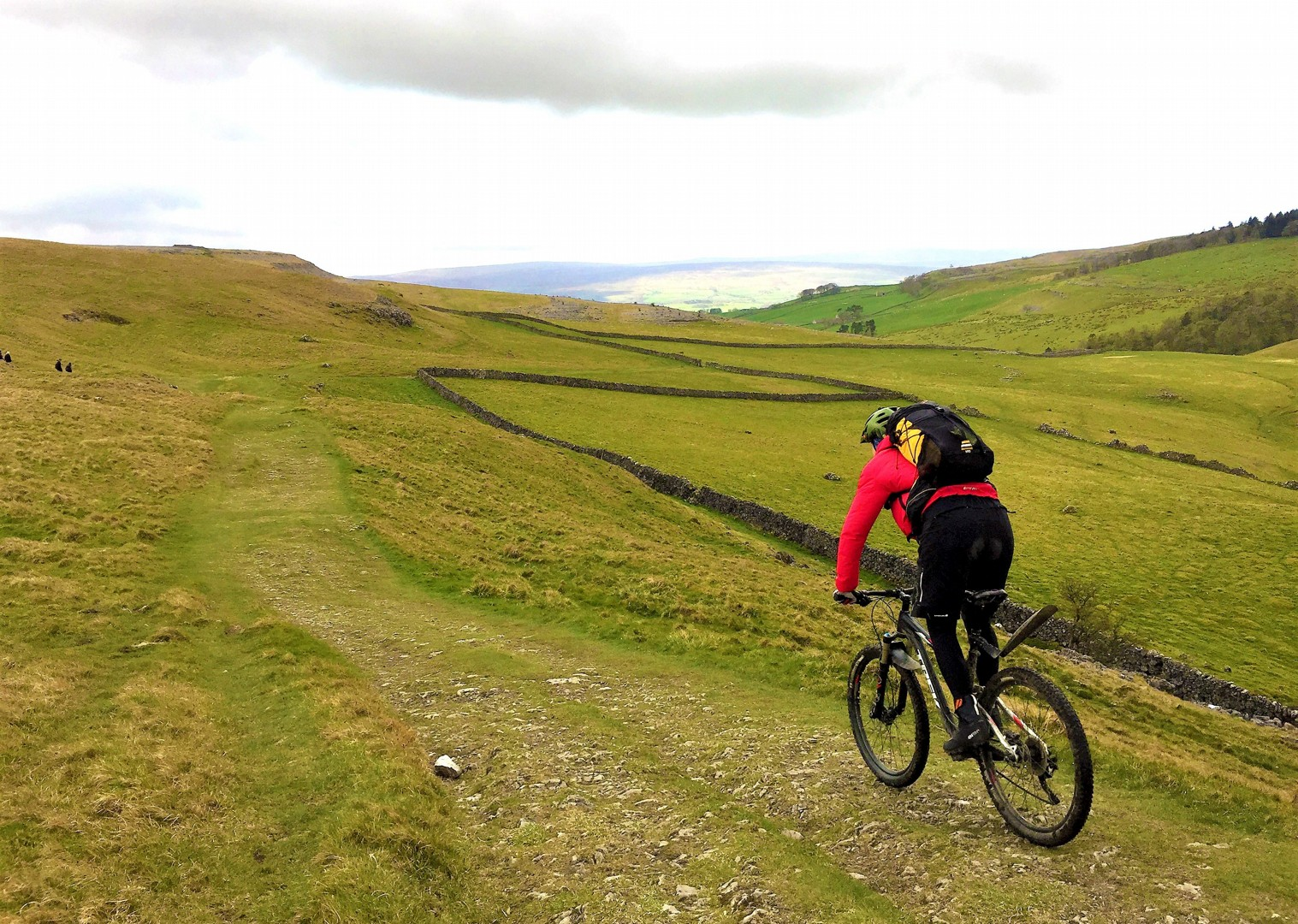 mtb-mountain-biking-pennine-bridleway-skedaddle.jpg - UK - Pennine Bridleway - Guided Mountain Bike Weekend - Mountain Biking
