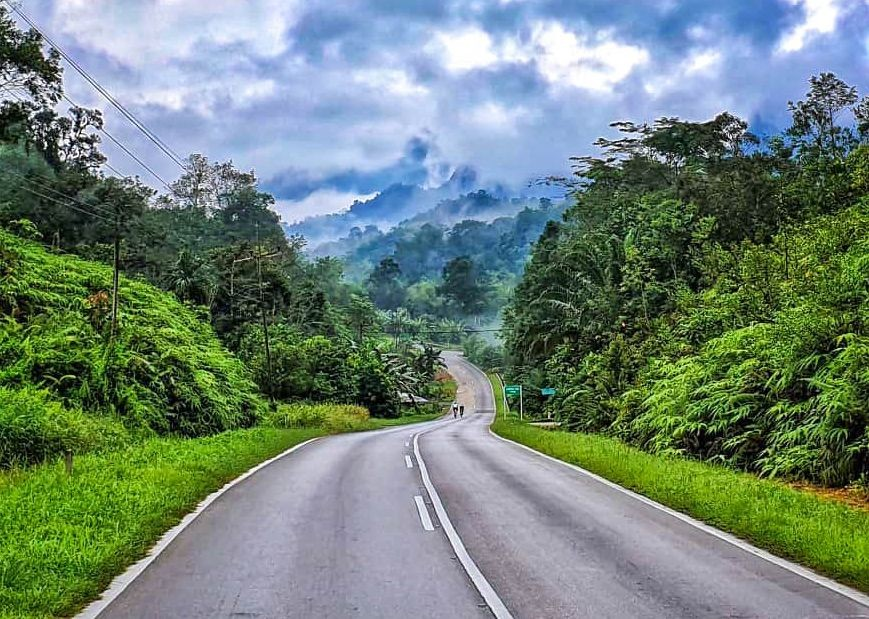 road-borneo-cycling-guided-holiday-saddle-skedaddle.jpg - Borneo - Sarawak to Sabah - Guided Road Cycling Holiday - Road Cycling