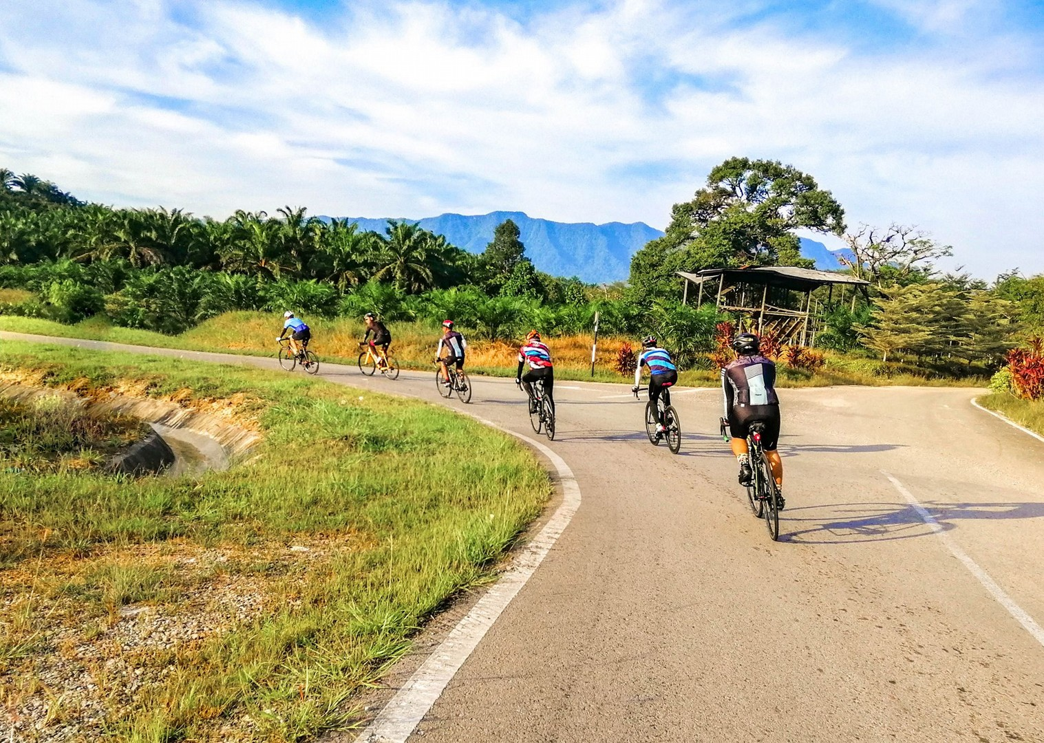road-cycling-sarawak-to-sabah-borneo-holiday.jpg - Borneo - Sarawak to Sabah - Guided Road Cycling Holiday - Road Cycling