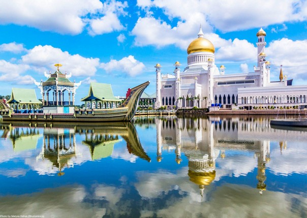 road-cycling-holiday-mosque-long-haul-borneo-saddle-skedaddle.jpg