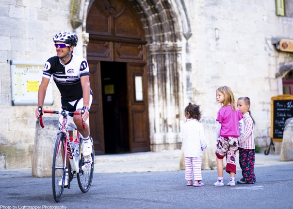 historical-buidlings-road-cycling-provence-france.jpg - France - Provence - Le Ventoux a Velo - Guided Road Cycling Holiday - Road Cycling