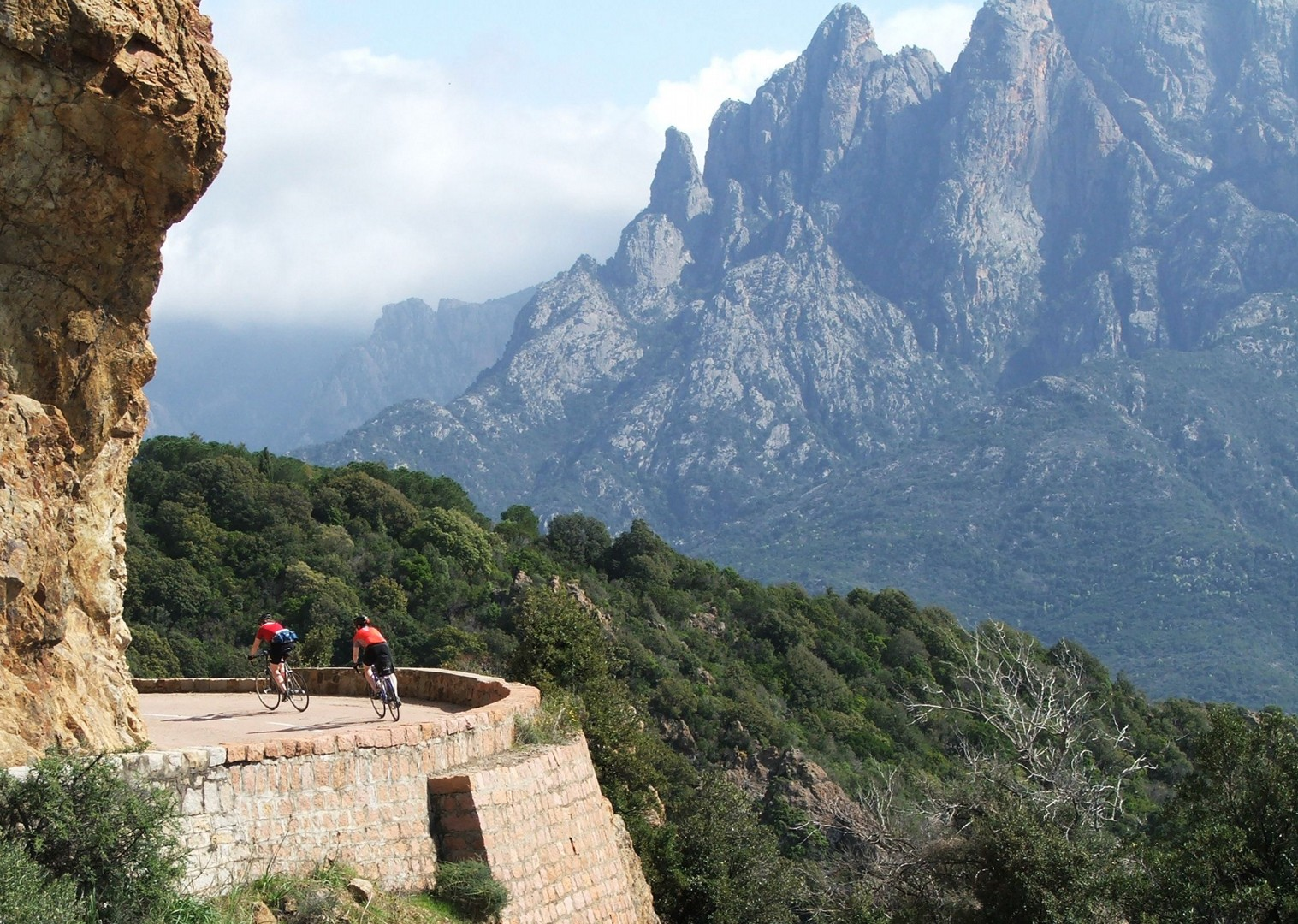 mediterranean-cycling-corsica-guided-road-cycling-holiday-the-beautiful-isle.jpg - France - Corsica - The Beautiful Isle - Guided Road Cycling Holiday - Road Cycling