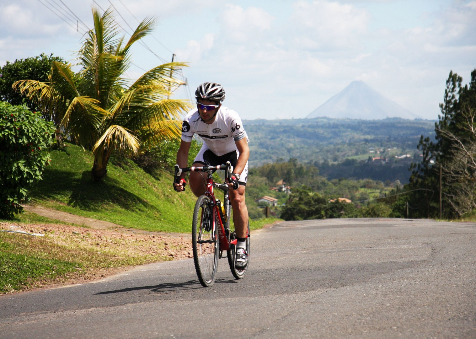 guided-road-cycling-holiday-ruta-de-los-volcanes-costa-rica.jpg - Costa Rica - Ruta de los Volcanes - Guided Road Cycling Holiday - Road Cycling