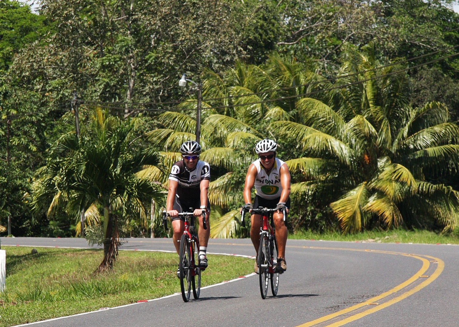 road-cycling-holiday-in-costa-rica-skedaddle-central-america.jpg - Costa Rica - Ruta de los Volcanes - Guided Road Cycling Holiday - Road Cycling