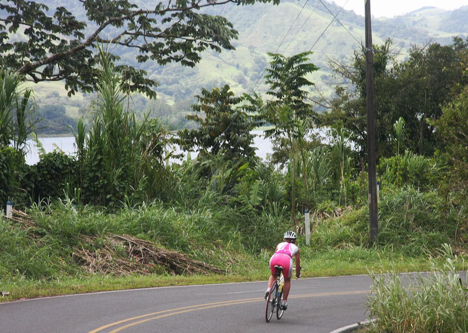 ruta-de-los-volcanes-costa-rica-guided-road-cycling-holiday-san-jose.jpg - Costa Rica - Ruta de los Volcanes - Road Cycling