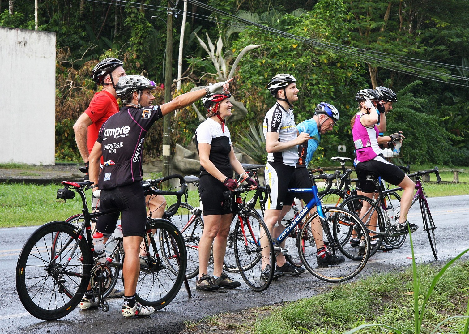 saddle-skedaddle-guided-road-cycling-holiday-ruta-de-los-volcanes-costa-rica.jpg - Costa Rica - Ruta de los Volcanes - Guided Road Cycling Holiday - Road Cycling