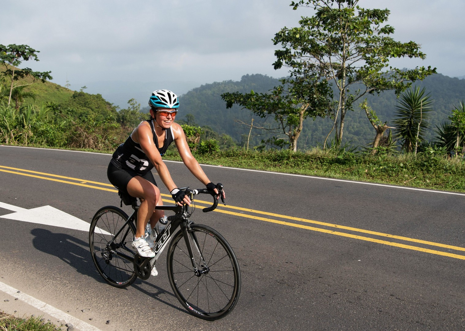 San-jose-guided-road-cycling-holiday-ruta-de-los-volcanes-costa-rica.jpg - Costa Rica - Ruta de los Volcanes - Road Cycling