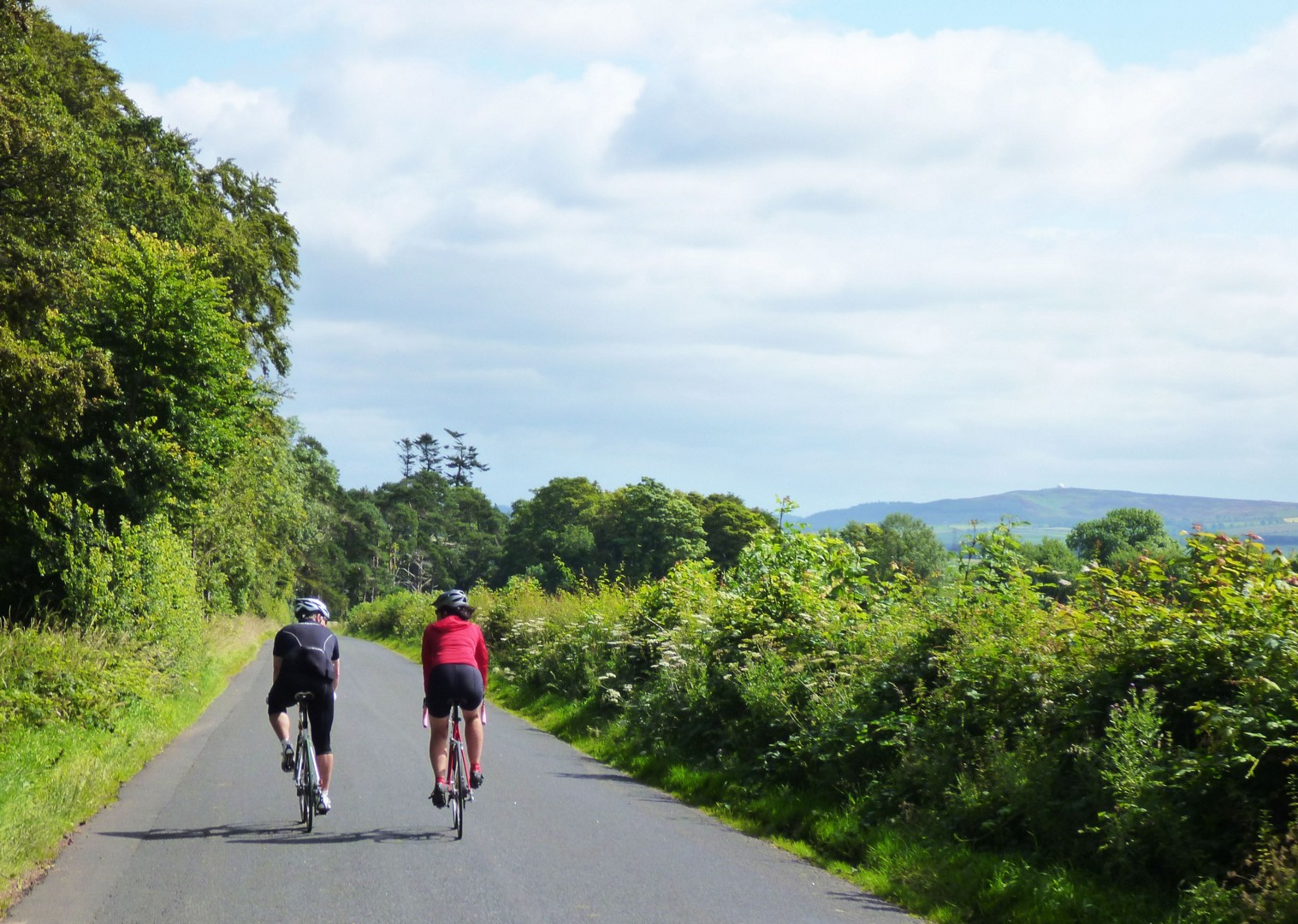 guided-road-cycling-weekend-uk.jpg - UK - Northumberland - Road Cycling