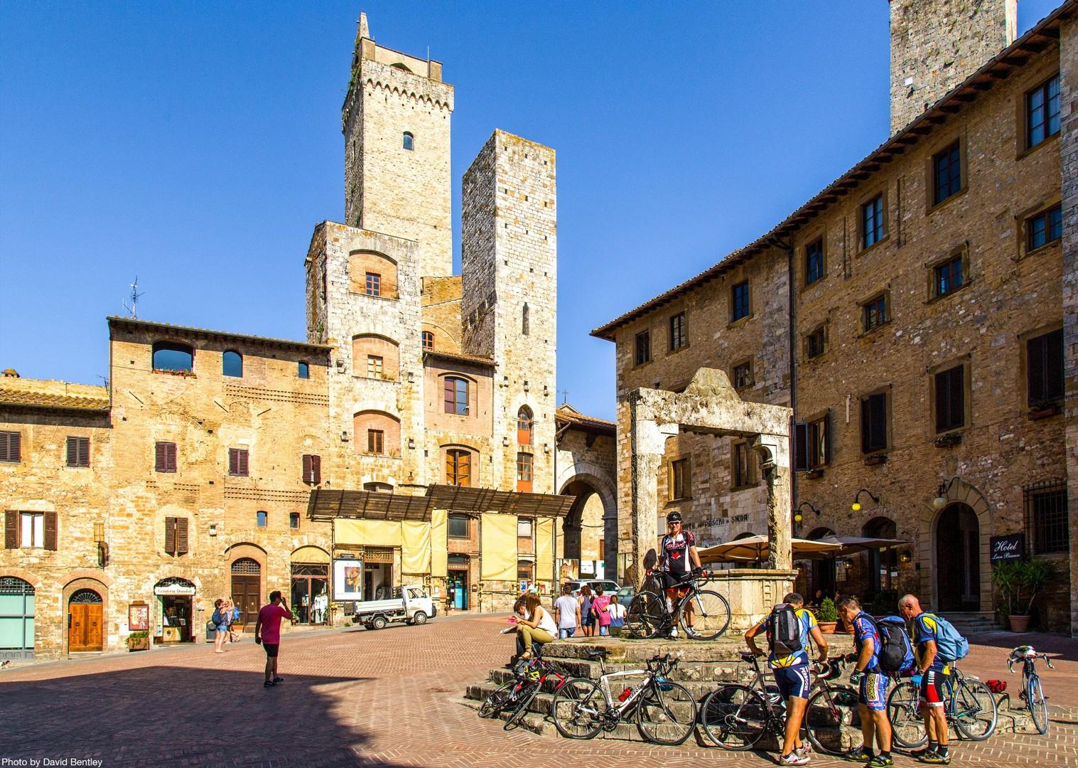 0049 Day 3 Tuscany Square.jpg - Italy - Tuscany - Giro della Toscana - Self-Guided Road Cycling Holiday - Road Cycling