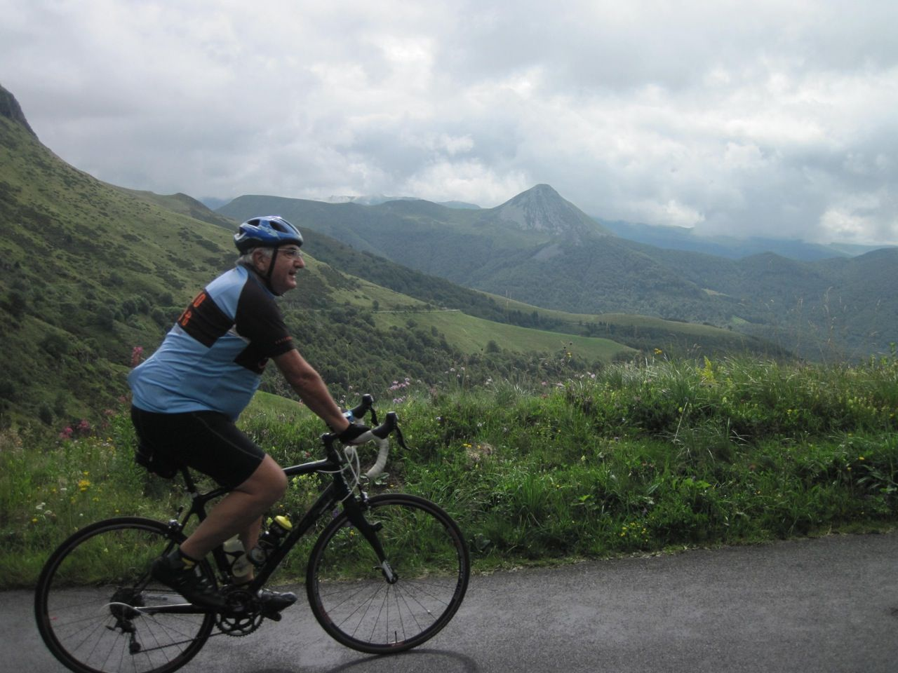 _Staff.348.18307.jpg - France - Haute Dordogne - Guided Road Cycling Holiday - Road Cycling