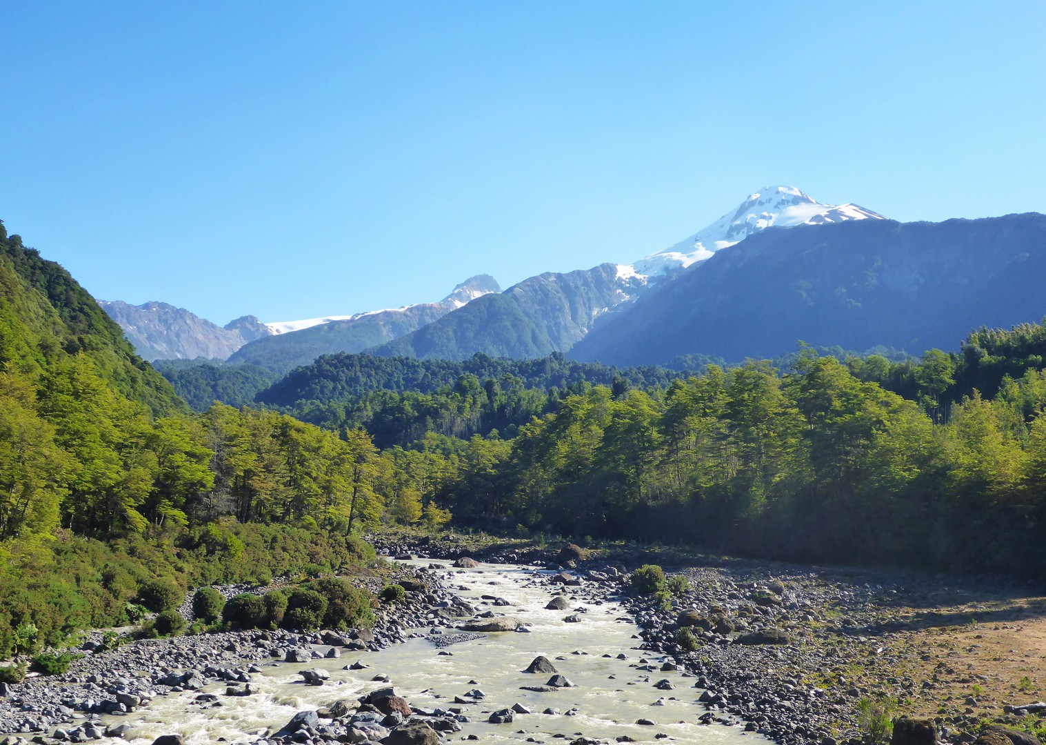 road-cycling-holiday-in-chile-and-argentina-with-skedaddle-san-martin-to-villa-angostura.jpg - Chile and Argentina - Lake District Road Explorer - Road Cycling