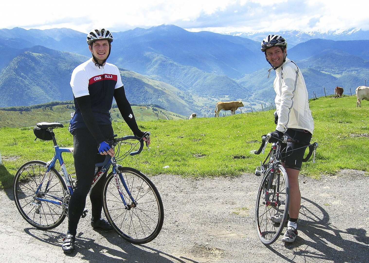 group-guided-cycling-france-pyrenees-fitness-week.jpg - France - Pyrenees Fitness Week (Grade 2-3) - Guided Road Cycling Holiday - Road Cycling
