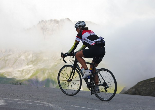 road-cycling-giant-of-provence-guided-adventure.jpg - France - Alps - Mont Ventoux to Alpe d'Huez - Guided Road Cycling Holiday - Road Cycling