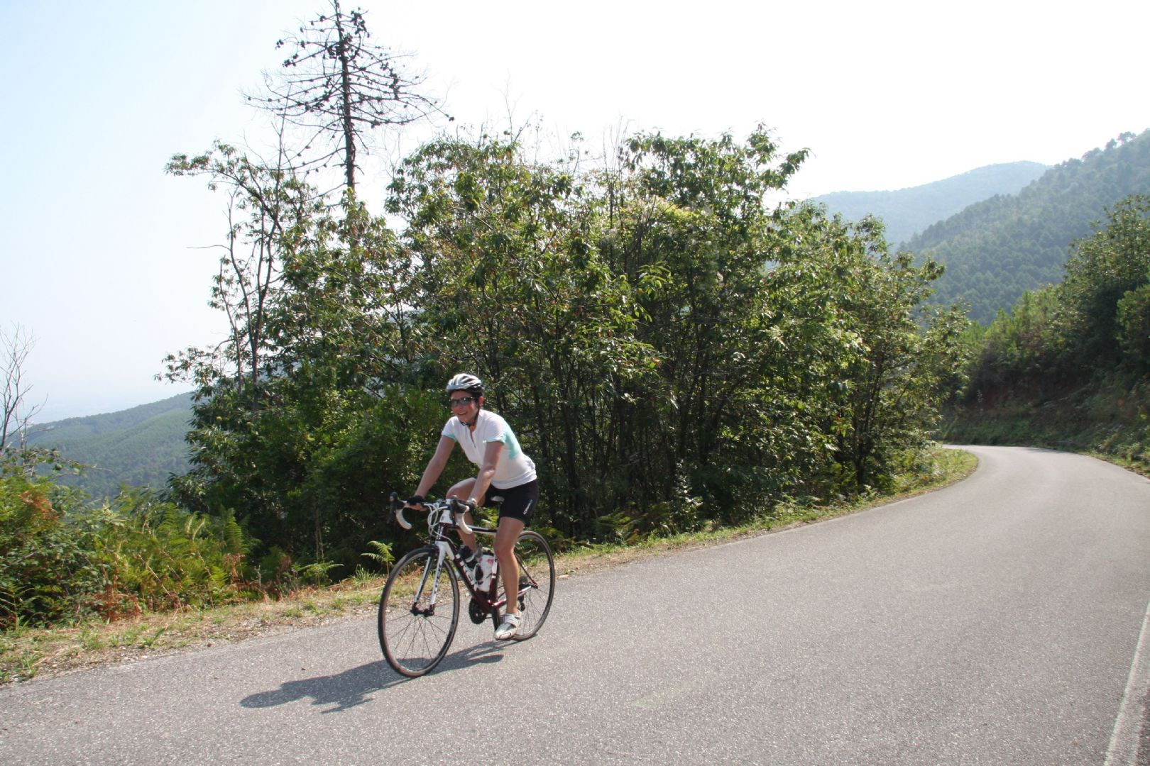 azores road2.jpg - The Azores - Lakes and Volcanoes - Self-Guided Road Cycling Holiday - Road Cycling