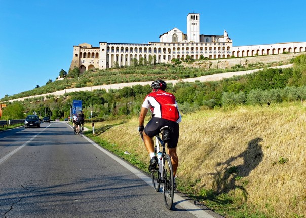 cycle-past-assisi-road-cycling-trip-italy.jpg - Italy - Grand Traverse - North to South - Guided Road Cycling Holiday (17 days) - Road Cycling