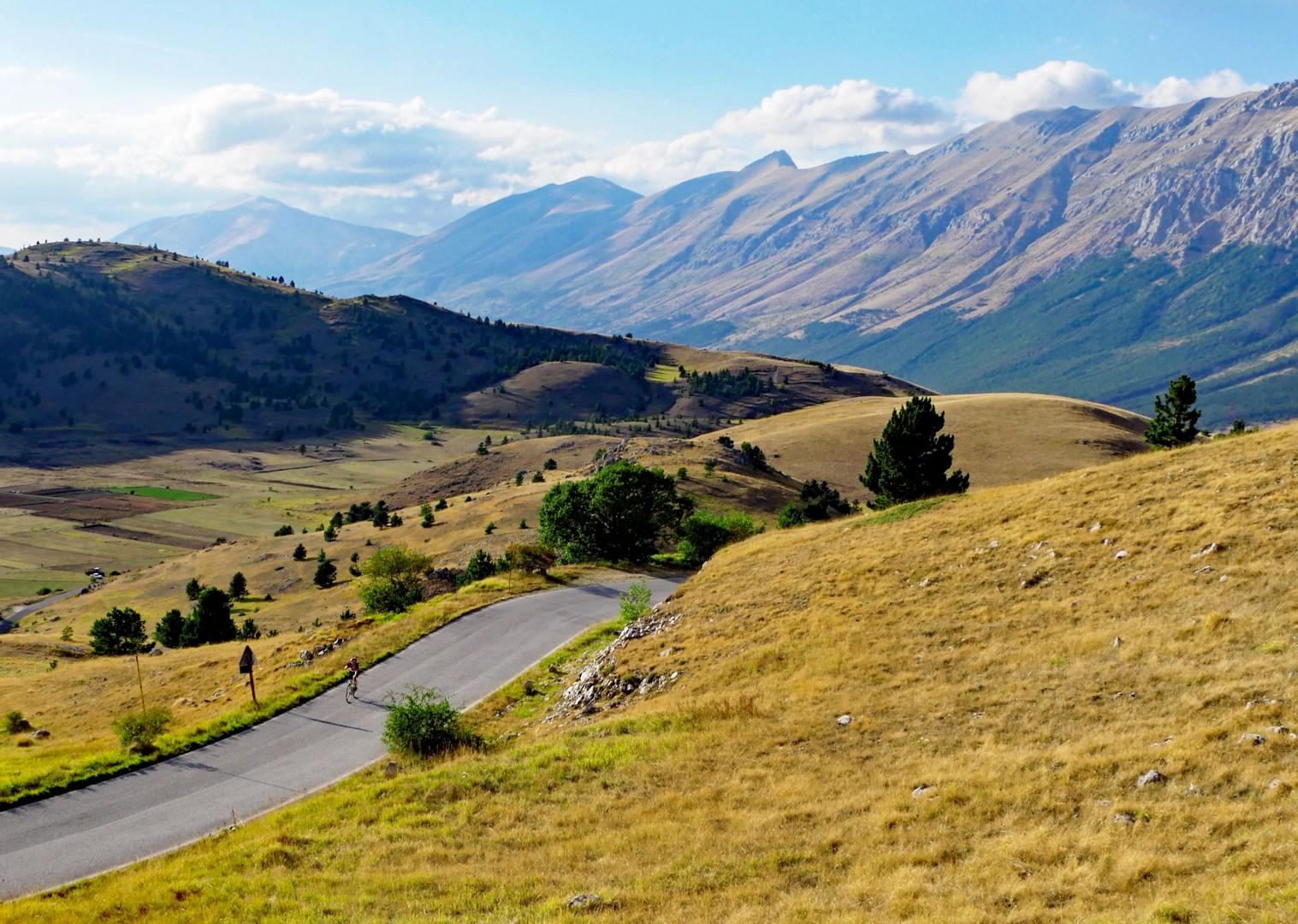 north-south-cycling-trip-gran-sasso.jpg - Italy - Grand Traverse - North to South - Guided Road Cycling Holiday (17 days) - Road Cycling