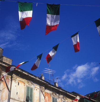 Tricolori in Ercalano.jpg - Italy - Grand Traverse - North to South (17 days) - Guided Road Cycling Holiday - Road Cycling