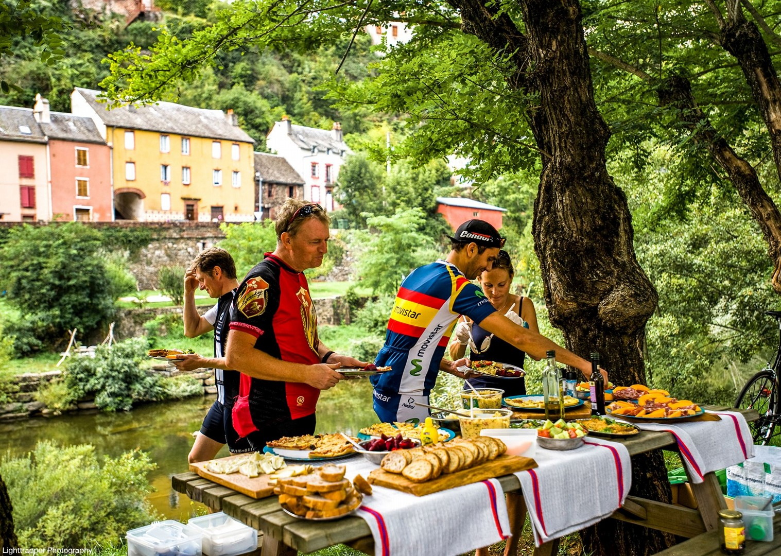saddle-skedaddle-picnic-for-cyclists-food-cycling-holidays-in-france.jpg - France - Ardeche to Carcassonne - Guided Road Cycling Holiday - Road Cycling