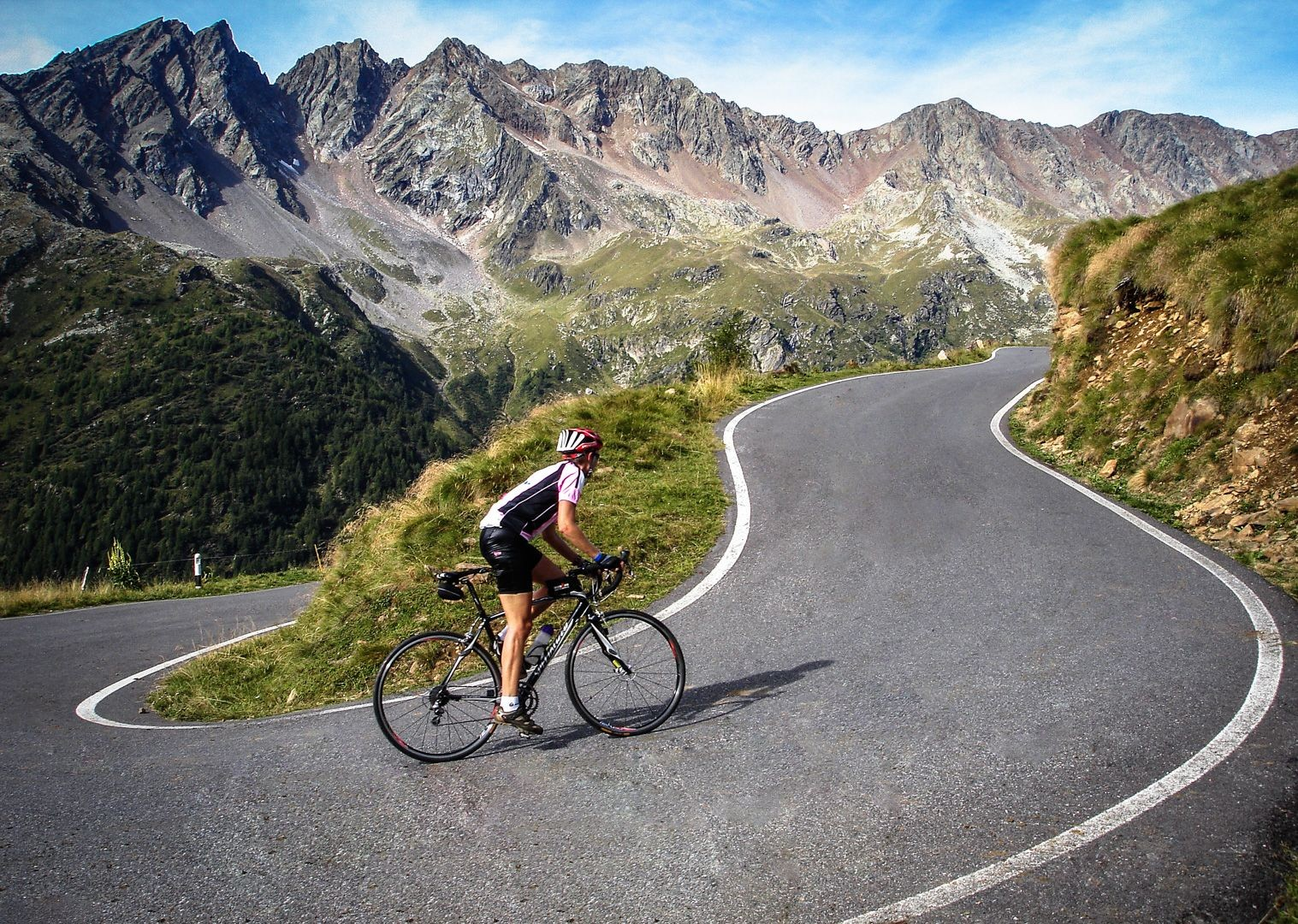 stevilo-pass-italy-road-cycling-guided-tour.jpg - Italy - Raid Dolomiti - Guided Road Cycling Holiday - Road Cycling