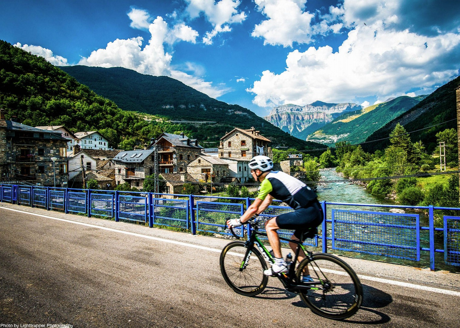 northern-spain-guided-road-cycling-holiday-pyrenees-saddle-skedaddle.jpg - NEW! Spain - Spanish Pyrenees Coast to Coast - Road Cycling