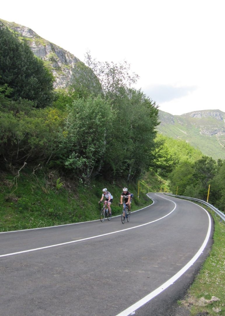 14421076550_c8785d1c94_o.jpg - Northern Spain - Spanish Pyrenees - Guided Road Cycling Holiday - Road Cycling