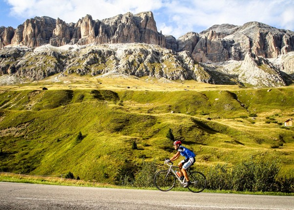Droad-cycling-cols-of-italy-switzerland-and-france.jpg