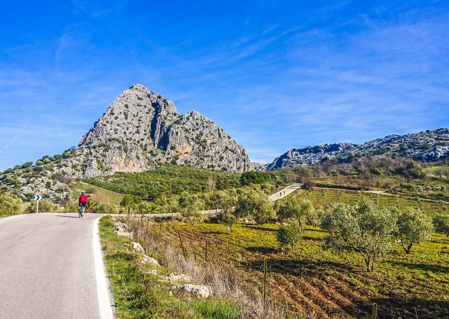 limestone-mountain-backgrounds-road-cycling-tour-spain.jpg - Southern Spain - Andalucia - Los Pueblos Blancos - Guided Road Cycling Holiday - Road Cycling