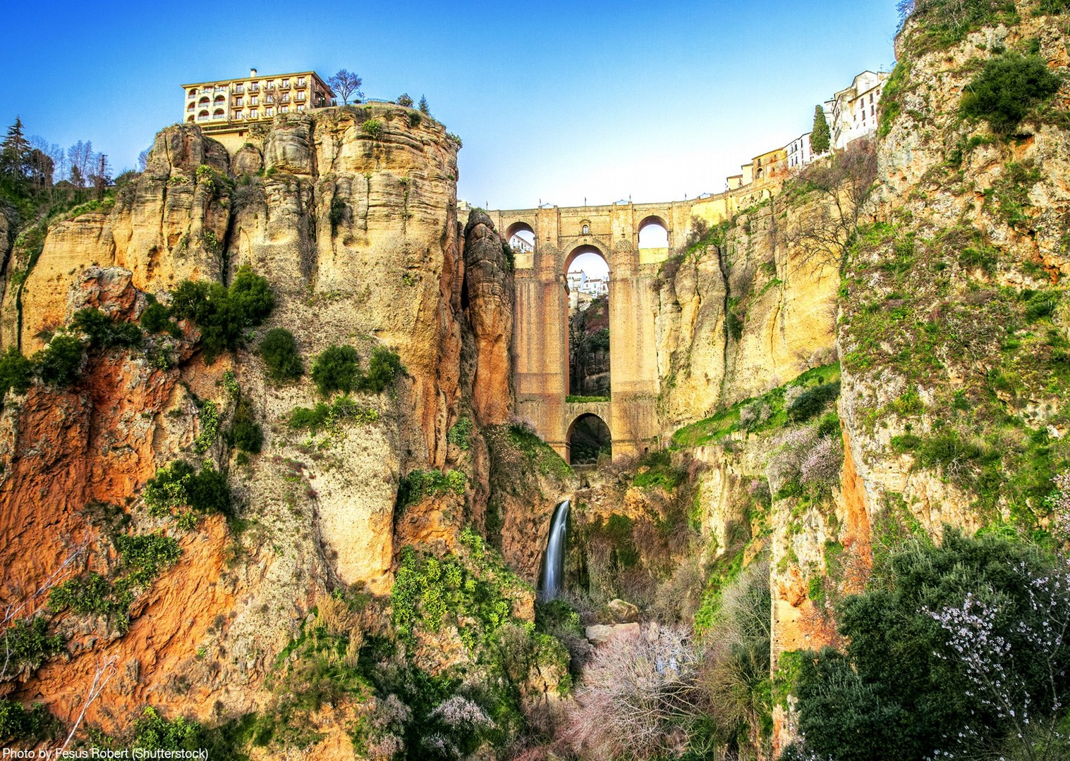 ronda-village-andalucia-spain-road-tour-guided-cycling.jpg - Southern Spain - Andalucia - Los Pueblos Blancos - Guided Road Cycling Holiday - Road Cycling