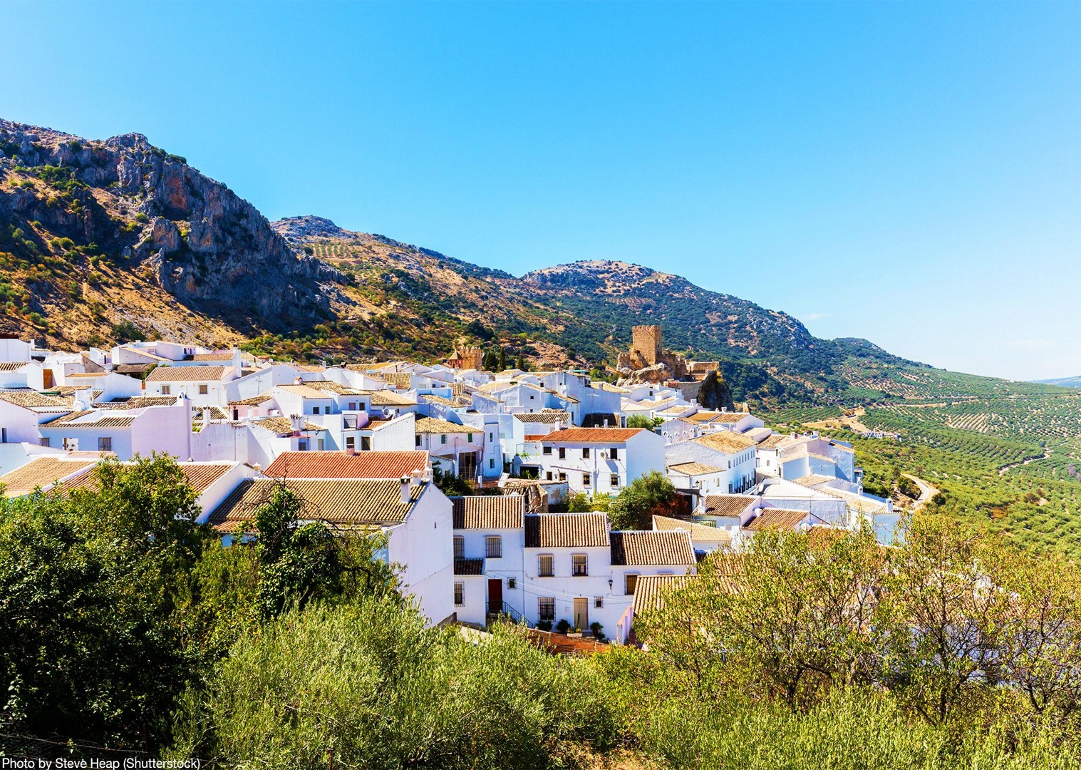 visit-grazalema-town-limestone-mountains-cycling-holiday.jpg - Southern Spain - Andalucia - Los Pueblos Blancos - Guided Road Cycling Holiday - Road Cycling