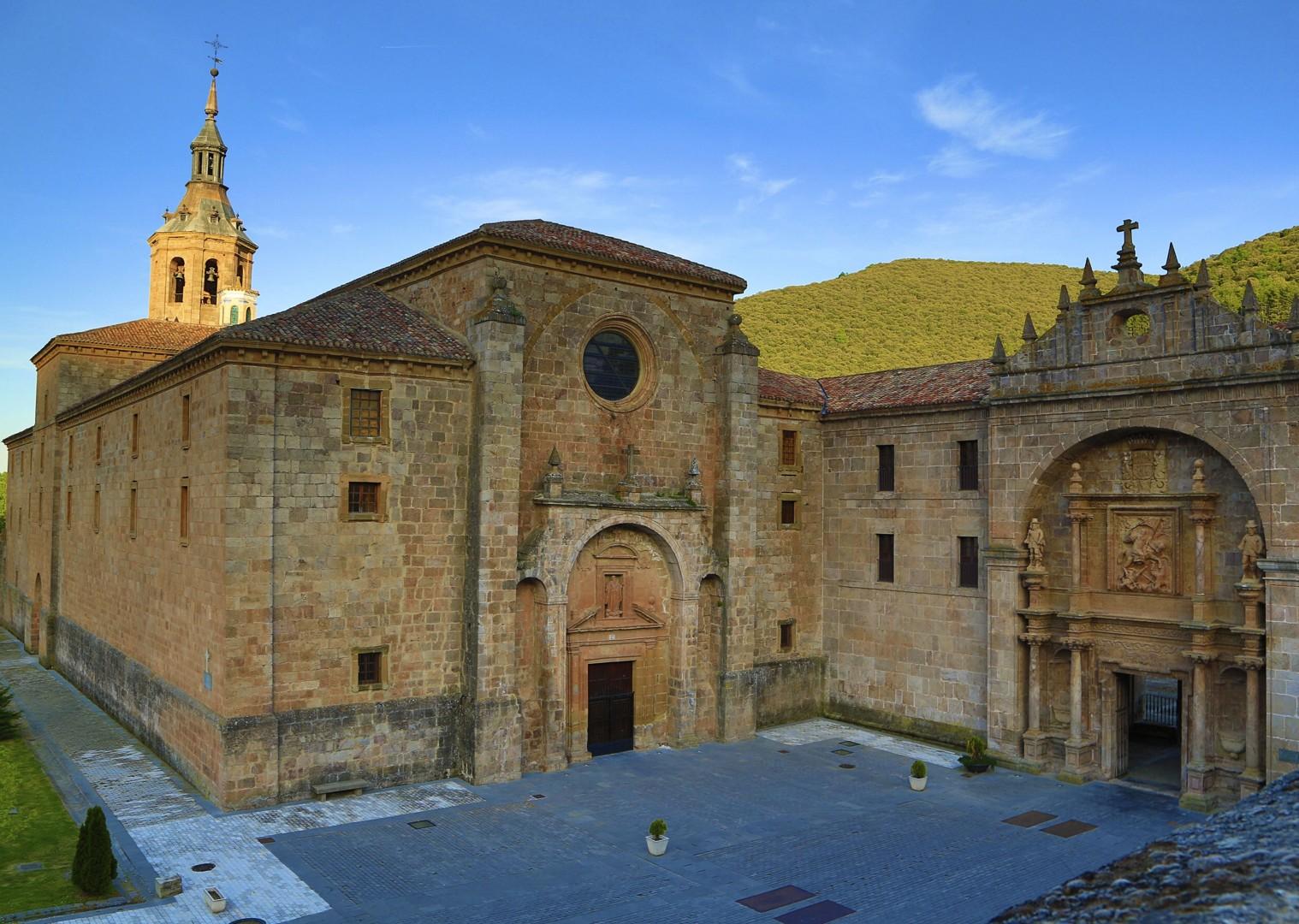 Riojanrolling2.jpg - Northern Spain - Rioja - Ruta del Vino - Guided Road Cycling Holiday - Road Cycling