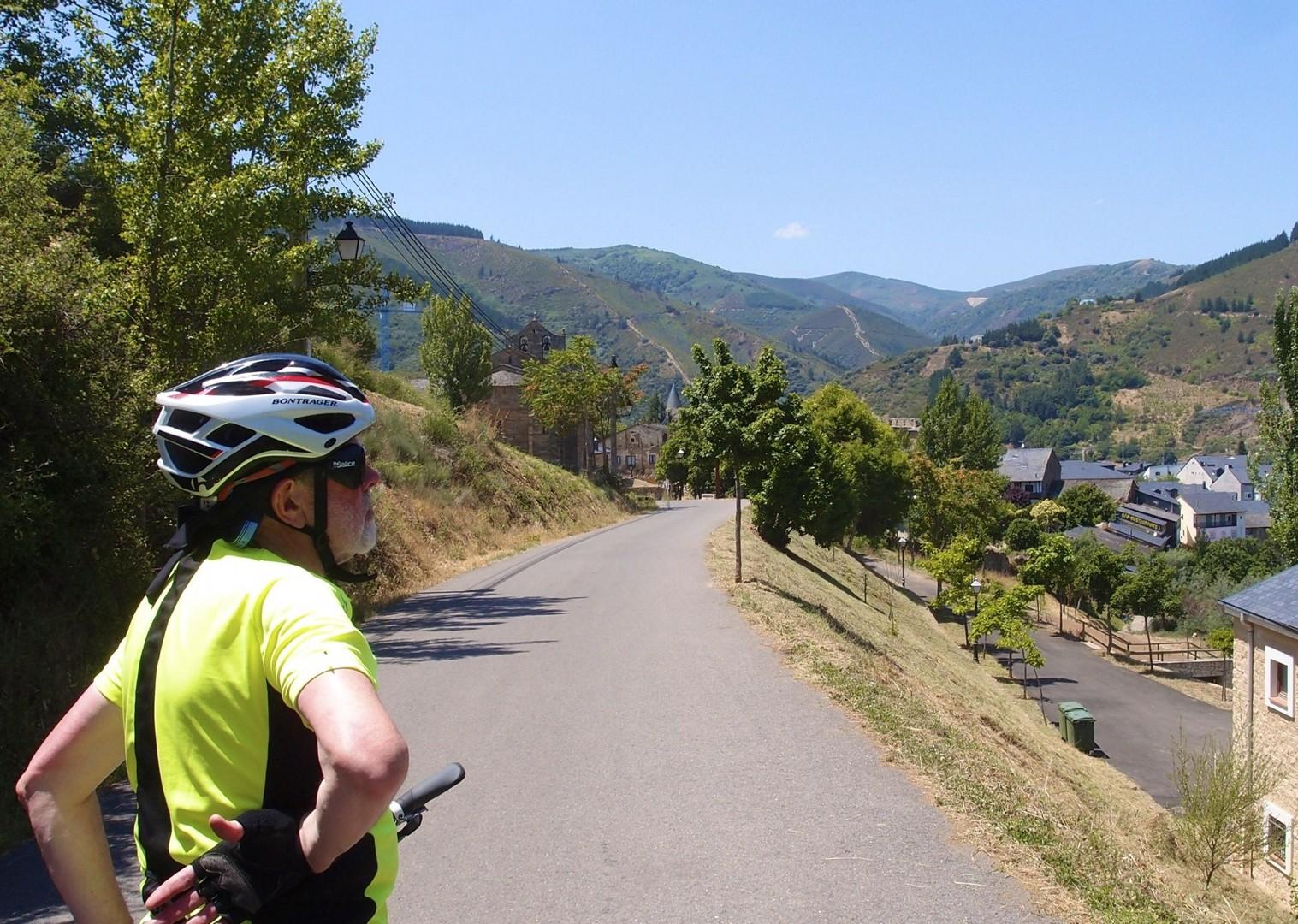 Riojanrolling19.jpg - Northern Spain - Rioja - Ruta del Vino - Guided Road Cycling Holiday - Road Cycling