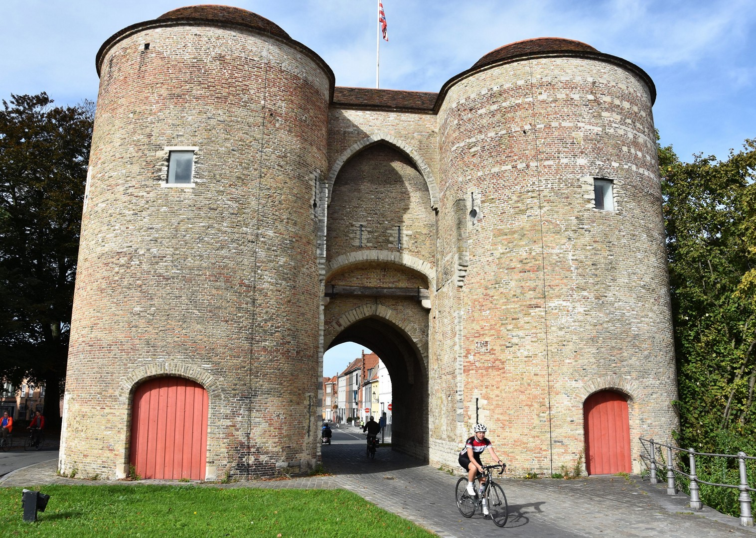 burgundy-guided-road-cycling-holiday-belgium-and-france-bruges-to-bordeaux.JPG - Belgium and France - Bruges to Bordeaux - Guided Road Cycling Holiday - Road Cycling