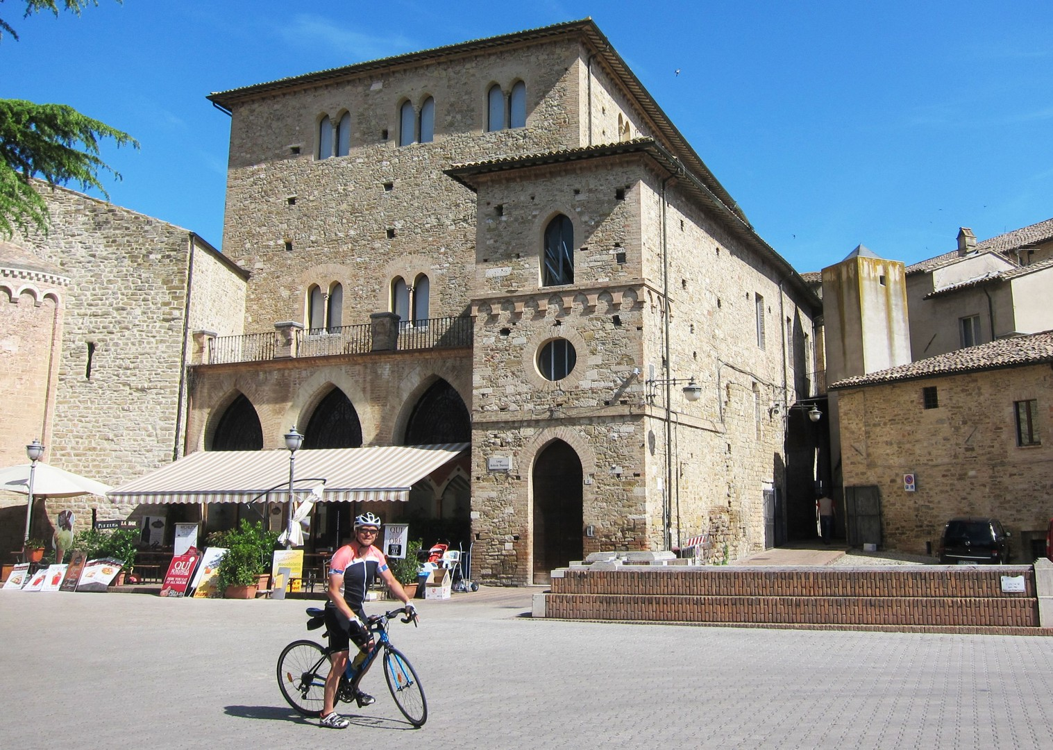 road-cycling-holiday-italy-abruzzo-skedaddle.JPG - Italy - Abruzzo - Appennini d'Abruzzo - Guided Road Cycling Holiday - Road Cycling
