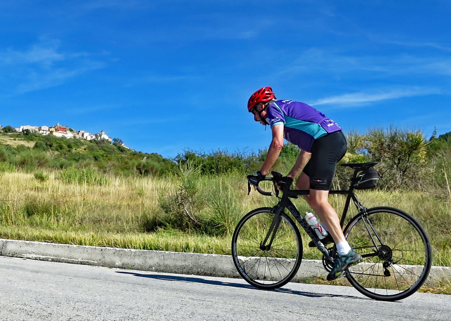 campo-imperatore-italy-abruzzo-appennini-dabruzzo-guided-road-cycling-holiday.jpg - Italy - Abruzzo - Appennini d'Abruzzo - Guided Road Cycling Holiday - Road Cycling