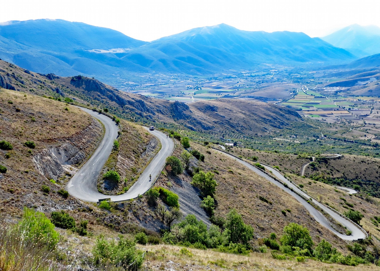 montepulcino-dabruzzo-guided-road-cycling-holiday-italy-abruzzo-appennini-dabruzzo.jpg - Italy - Abruzzo - Appennini d'Abruzzo - Guided Road Cycling Holiday - Road Cycling