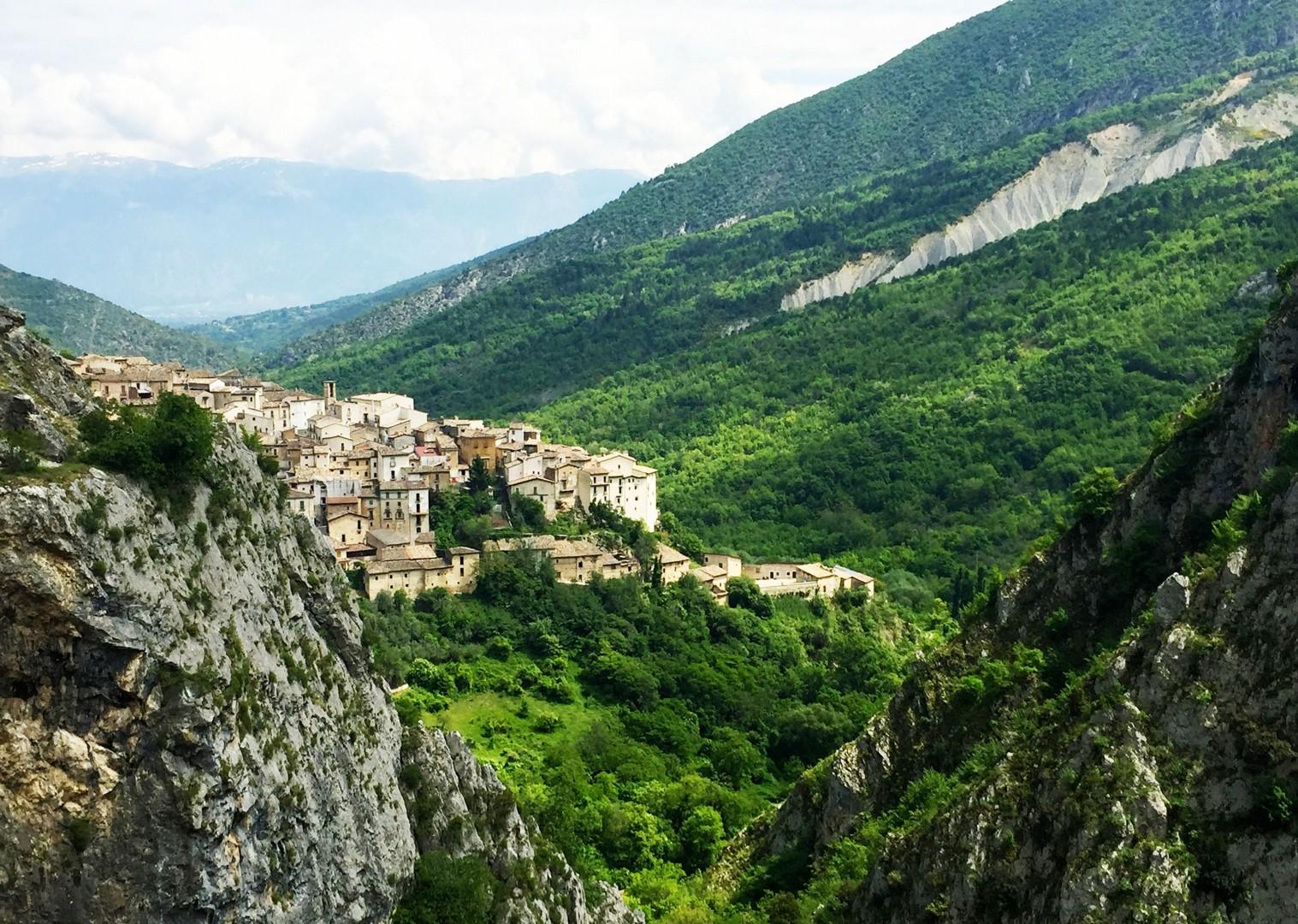 parco-velino-road-cycling-holiday-italy-abruzzo.JPG - Italy - Abruzzo - Appennini d'Abruzzo - Guided Road Cycling Holiday - Road Cycling