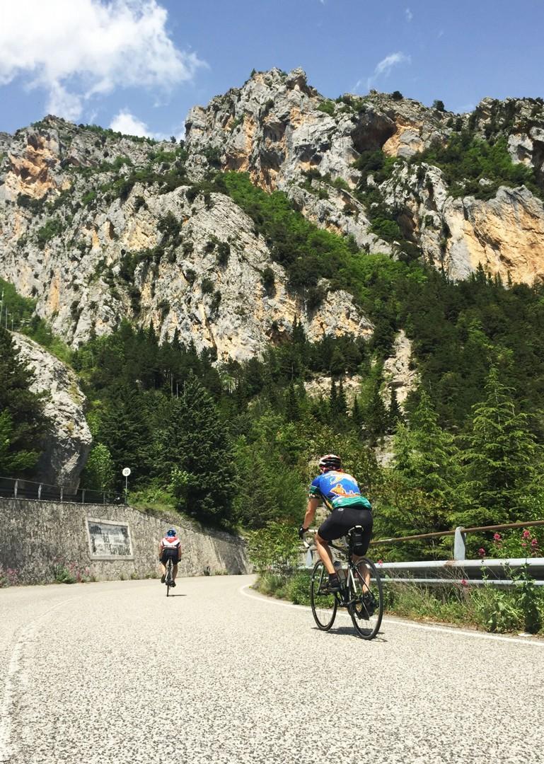 blockhaus-guided-road-cycling-holiday-italy-abruzzo-appennini-dabruzzo.jpg - Italy - Abruzzo - Appennini d'Abruzzo - Guided Road Cycling Holiday - Road Cycling