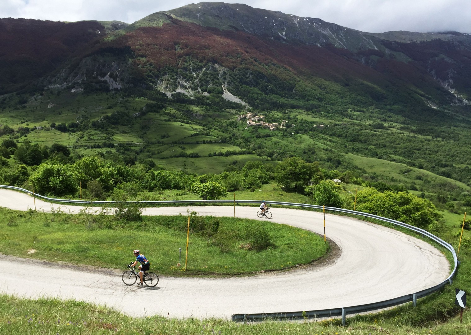guided-road-cycling-holiday-italy-abruzzo-appennini-dabruzzo.JPG - Italy - Abruzzo - Appennini d'Abruzzo - Guided Road Cycling Holiday - Road Cycling
