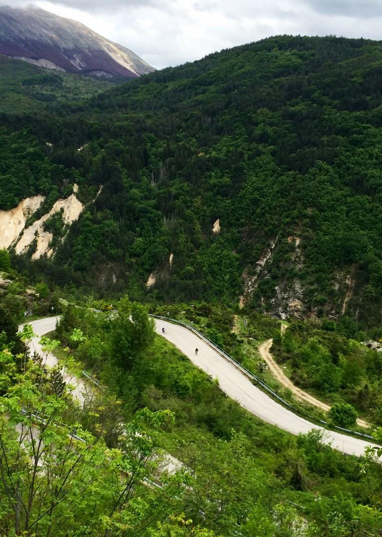 parco-nazionale-dell-abruzzo-italy-abruzzo-appennini-dabruzzo-guided-road-cycling-holiday-skedaddle.jpg - Italy - Abruzzo - Appennini d'Abruzzo - Guided Road Cycling Holiday - Road Cycling