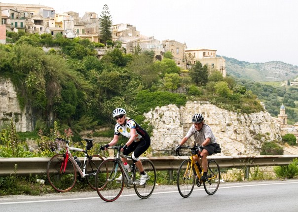 Shelagh + Paul leaving Ragusa.jpg - NEW! Italy - Sicily - 2018 Giro Special - Road Cycling