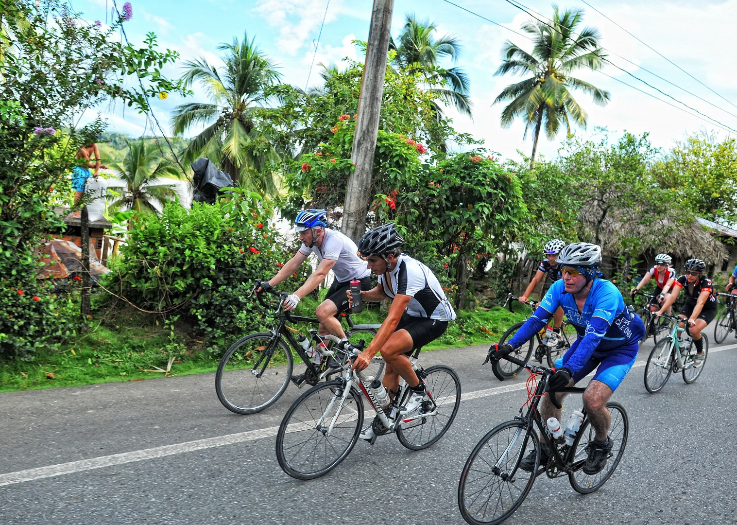 andean-mountains-emerald-mountains-colombia-guided-road-cycling-holiday.jpg - Colombia - Tres Cordilleras - Guided Road Cycling Holiday - Road Cycling