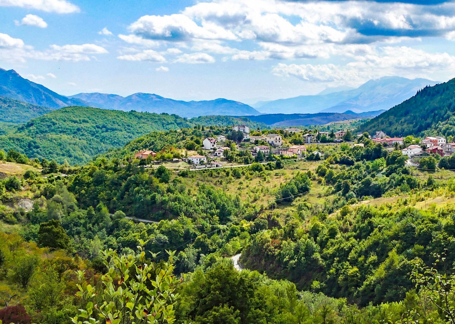 umbria-mountain-village-guided-road-cycling-trip-holiday.jpg - NEW! Italy - Coast to Coast - L'Adriatico al Tirreno - Road Cycling