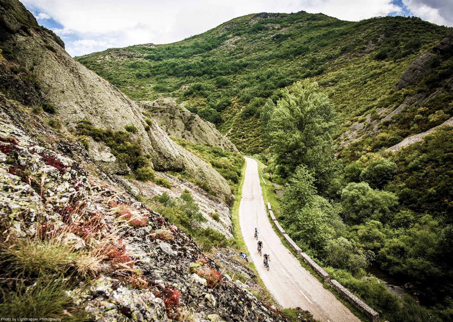 stunning-views-santiago-cantabrica-mountains-cycle-holiday.jpg - Northern Spain - Road to Santiago - Guided Road Cycling Holiday - Road Cycling
