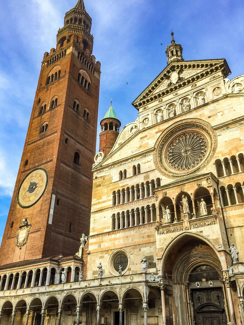 cathedral-of-cremona-italy-self-guided-leisure-cycling-holiday-emilia-romagna.jpg - Italy - Emilia Romagna - Self-Guided Leisure Cycling Holiday - Leisure Cycling